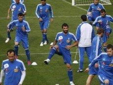 Футболисты сборной Греции на тренировке