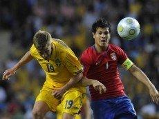 Эпизод матча между сборными Швеции и Сербии