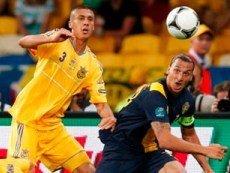 Эпизод матча между сборными Швеции и Украины