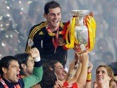 Испания имеет все шансы выиграть и следующий чемпионат Европы по футболу, считают букмекеры
