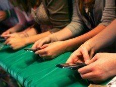 Ставить на спорт в Cantor Gaming можно с помощью смартфона