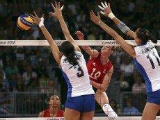 Эпизод матча по волейболу с участием сборной России