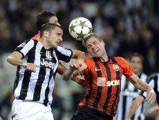 Обе команды забивают вал голов, в том числе в Лиге чемпионов, но их последняя личная встреча окончилась со счетом 1:1