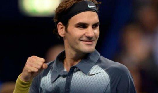 Федерер одной ногой в итоговом турнире
