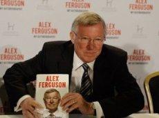 Во время первой недели в продаже автобиография Фергюсона вызвала ажиотаж среди британцев