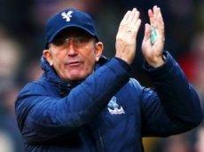 Клиенты Paddy Power верят, что команда Тони Пьюлиса преподнесет «МЮ» неприятный сюрприз
