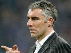 """Новый наставник """"Гамбурга"""" Мирко Сломка не спасёт свою команду от поражения в игре с Дортмундом"""