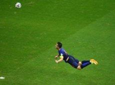 Ван Перси положил начало краху сборной Испании