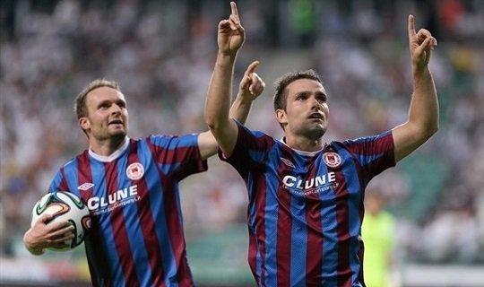 Кристи Фэган (справа) герой первого матча