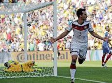 Хуммельс забил единственный гол в матче Германия - Франция
