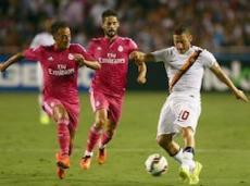 Через несколько секунд Тотти забьет единственный гол в матче с мадридским «Реалом»