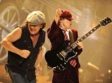 AC/DC входит в число трех букмекерских фаворитов на участие в «Гластонбери» в качестве хедлайнера