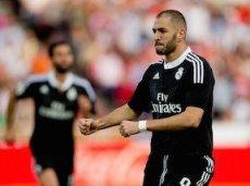 В матче с «Гранадой» Бензема забил гол и отдал две результативные передачи