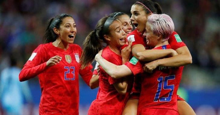 Женская сборная США творит историю