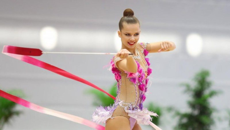 Универсиада-2019. Селезнева победила в упражнениях с мячом и обручем