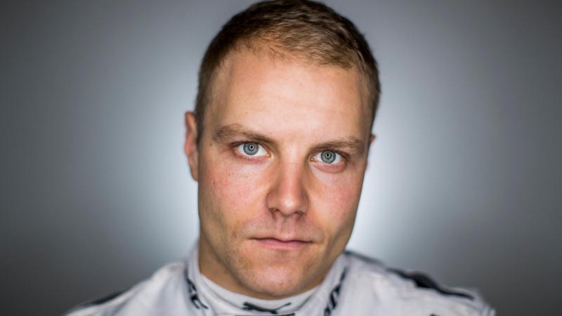 Формула-1. Боттас выиграл квалификацию Гран-при Великобритании, Квят — 17-й