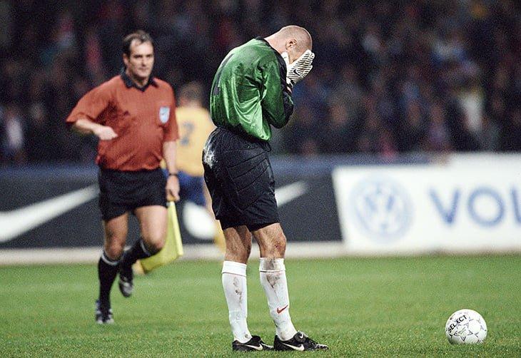 Александр Филимонов ошибся, и сборная России пролетела мимо Евро-2000