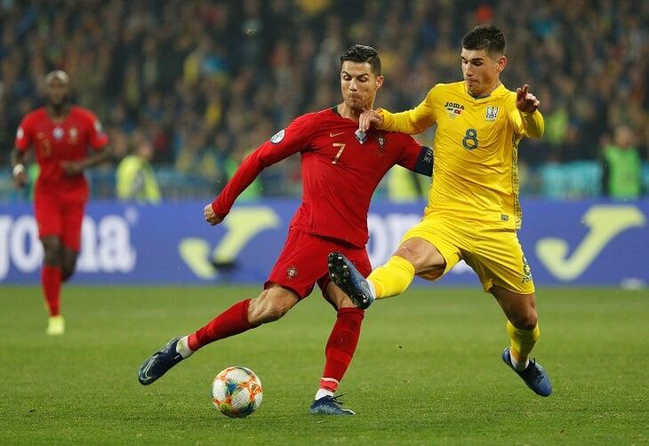 Украинцы набрали 4 очка в матчах с действующим чемпионом Европы