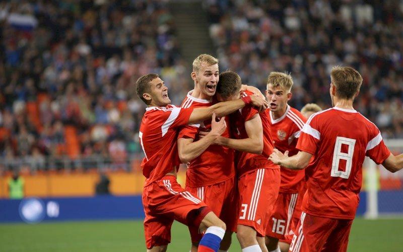 Молодежная сборная России разобралась с Латвией в отборе на Евро-2021