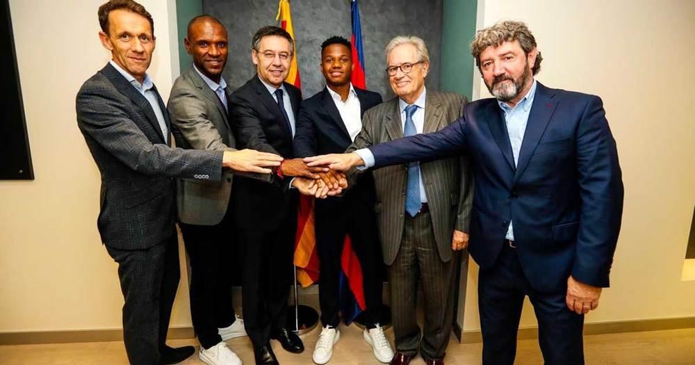 «Барселона» продлила контракт с Фати