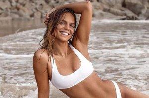 Юлия Ефимова опубликовала новые пляжные фото