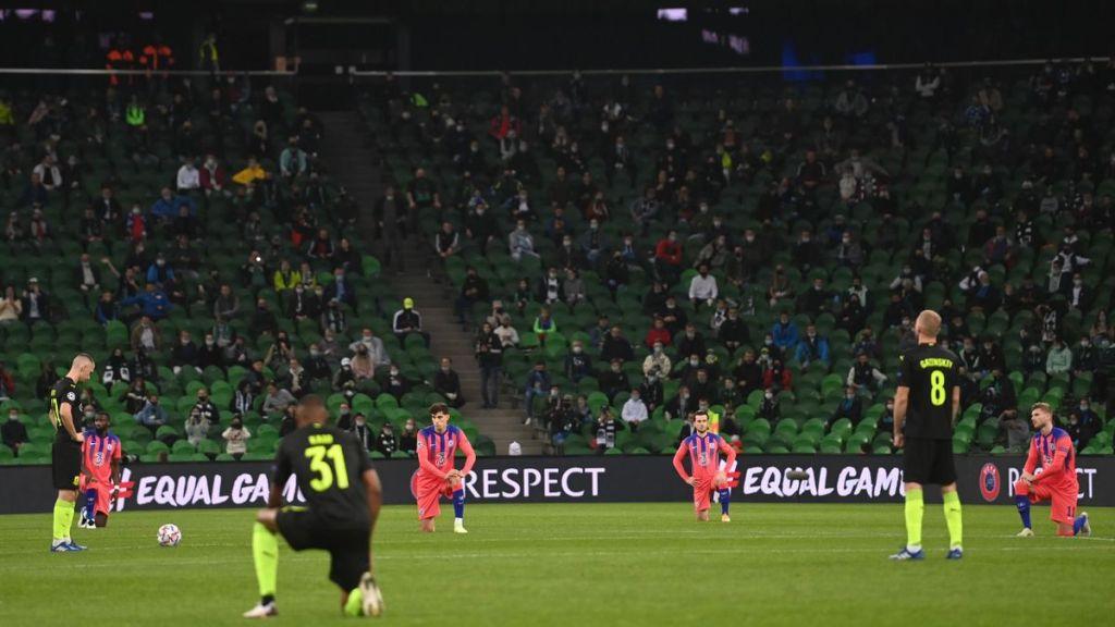 """В УЕФА отреагировали на отказ игроков """"Краснодара"""" вставать на колено"""