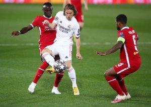 Игрок на ставках зарядил 250 тысяч рублей на ОЗ в матче «Ливерпуля» и «Реала»