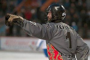 Четырехкратный чемпион мира по хоккею с мячом покончил с собой в свой день рождения