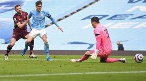 «Лидс» сенсационно обыграл «Манчестер Сити», играя тайм в меньшинстве