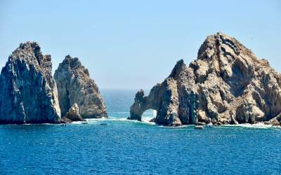 Tour the Beaches Around Cabo San Lucas on a Private Boat