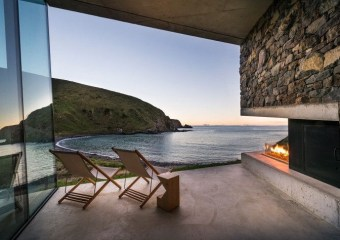 Seascape Retreat, South Island, New Zealand by Pattersons Architects
