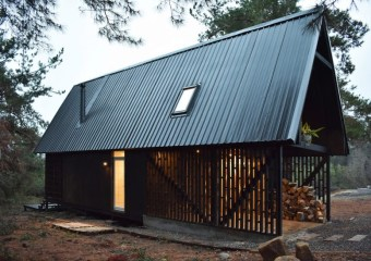 Casa R, Vilches, Chile by Felipe Lagos of Tu Croquis Architects