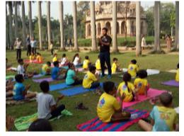Read with Sara essay on Lodhi gardens Delhi by Bookosmia