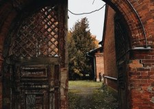 Haunted House – How To Escape? | Bookosmia