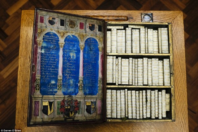 Jacobean Kindle