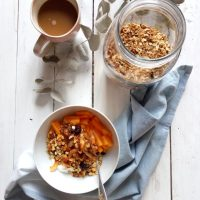 One-Bowl 6-Ingredient Homemade Granola (the only recipe you'll need!)