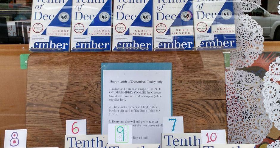 Tenth of December Display