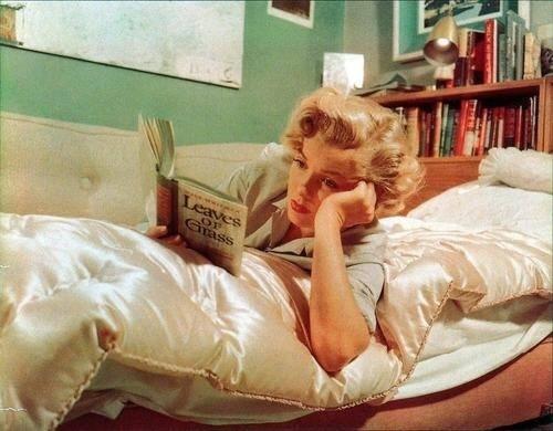 marilyn-reading-6