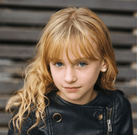 Sofia Wells as Young Clary