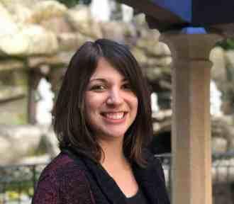 Alicia Smock: Writer. Secrets of a Popular Book Reviewer