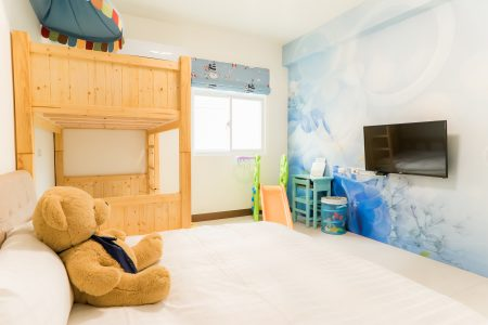 深藍色的鳥-親子三人房