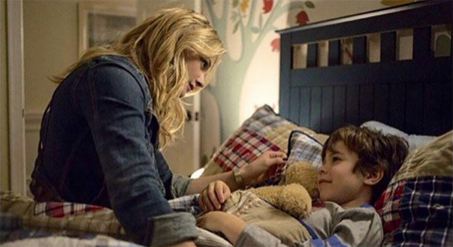 5th Wave Cassie with her brother Sammy