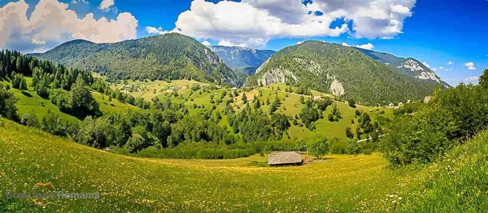 Panorama to the Piatra Craiului Mountains