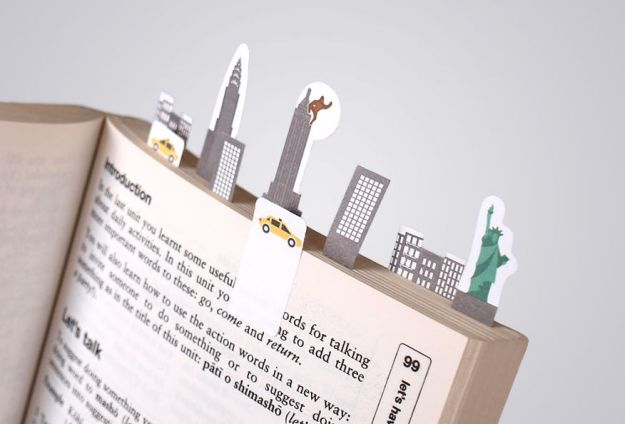 Tiny-paper-bookmarks-make-miniature-worlds-of-lovely-nee3__880