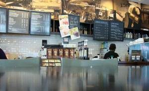 喫茶店の中(イメージ)