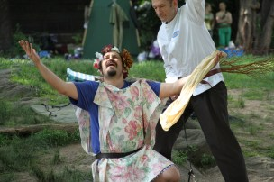 Vinnie Penna as Bottom in 2014's A MIDSUMMER NIGHT'S DREAM