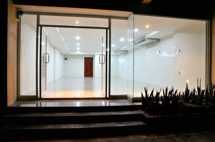 Boonjumnong-samui-modern-office