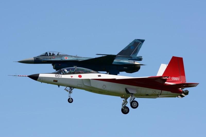 着陸するX-2