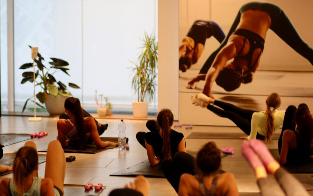 Barre Intensity® community class at lululemon