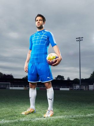 Cesc Fabregas Wears the New PUMA evoPOWER 1.2 Football Boot_5